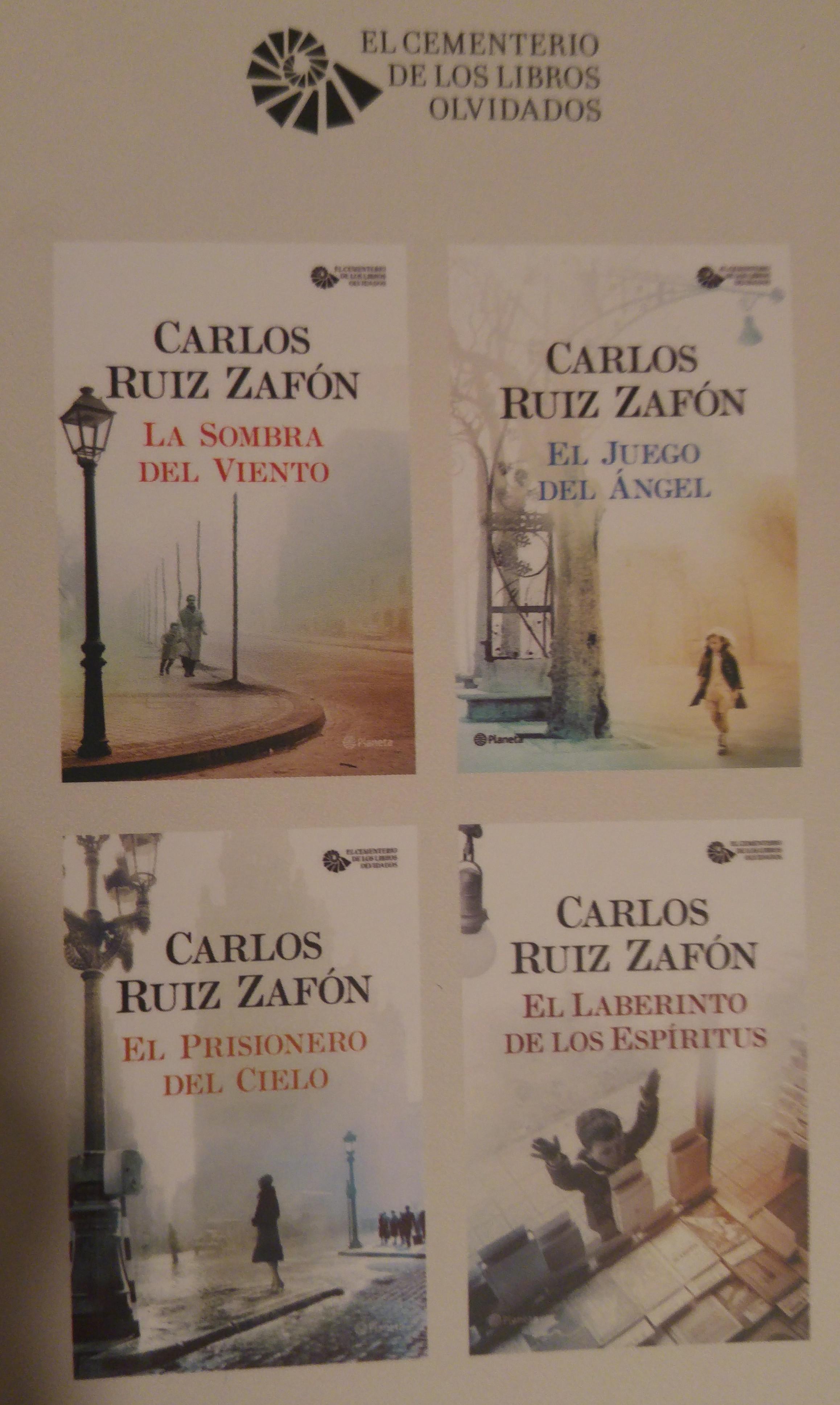 """Como regalo, les dejo el cuento de """"La Biblioteca de Babel"""" y los primeros  dos capítulos de """"La Sombra del Viento""""."""